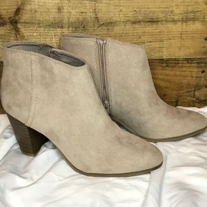 WMS Ankle Boots NWOT Size 9